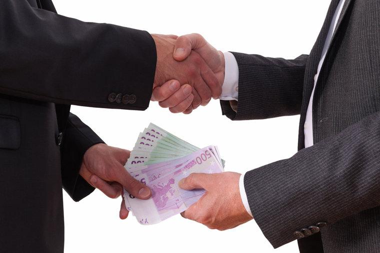 Архангельский признался в даче чиновнику взятки в размере 160 миллионов долларов