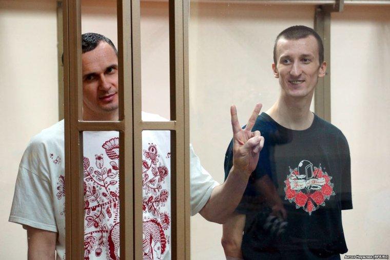Российская Федерация отказалась выдавать Украине Олега Сенцова и Александра Кольченко
