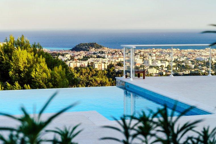 Во Франции возрос спрос на элитную недвижимость